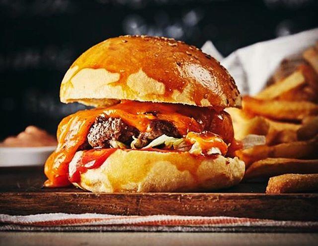Le mercredi des enfants et des gourmands #burger #burgerparis #parisburger #bestburger #paris3 #bestburgerintown #restaurantparis #lemarais #maraisparis #instagood #instafood #yummymummies @ubereats_fr